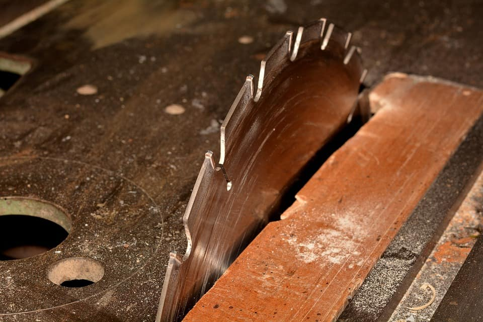 picture-of-blade-of-used-table-saw